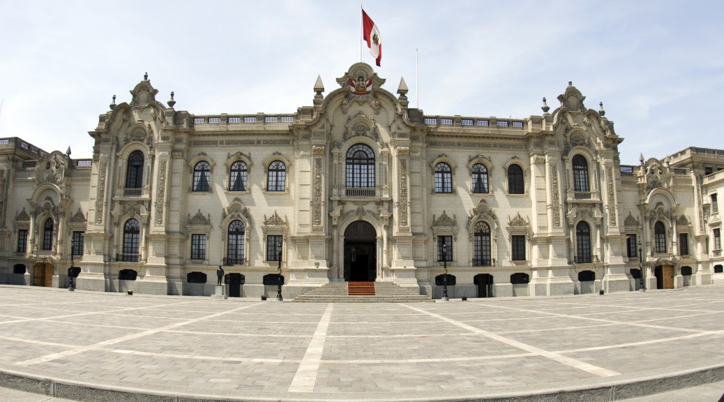 government palace lima peru house of government house of pizarro palacio de gobierno presidential home