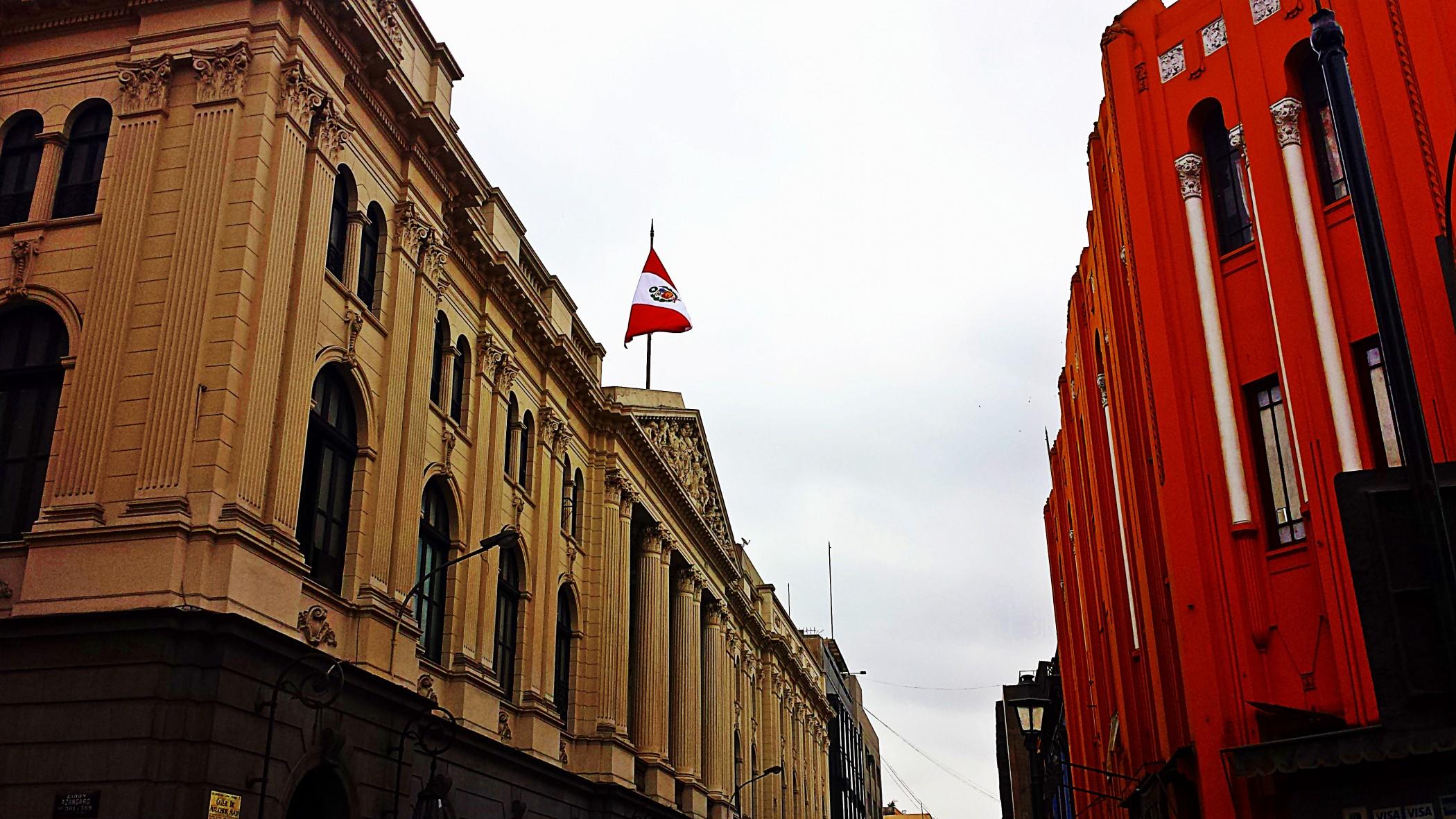 Paseo por las calles de Peru
